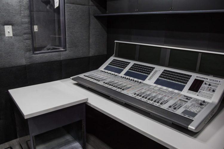Intérieur du camion de diffusion à 360° de NextVR