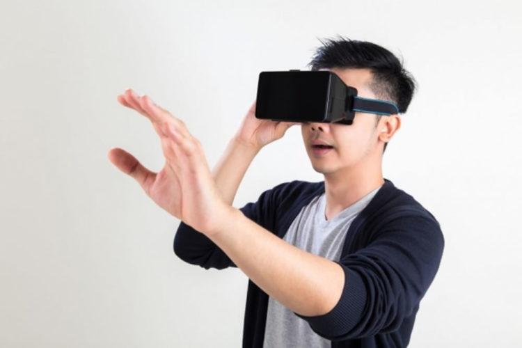 Cyber café porno en réalité virtuelle Tokyo Japon