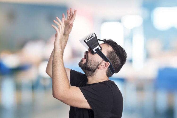 100 millions de casques de réalité virtuelle augmentée vendus en 2021