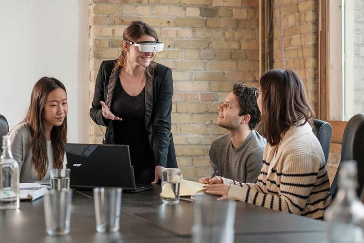 eSight lunettes molvoyants VR réalité virtuelle