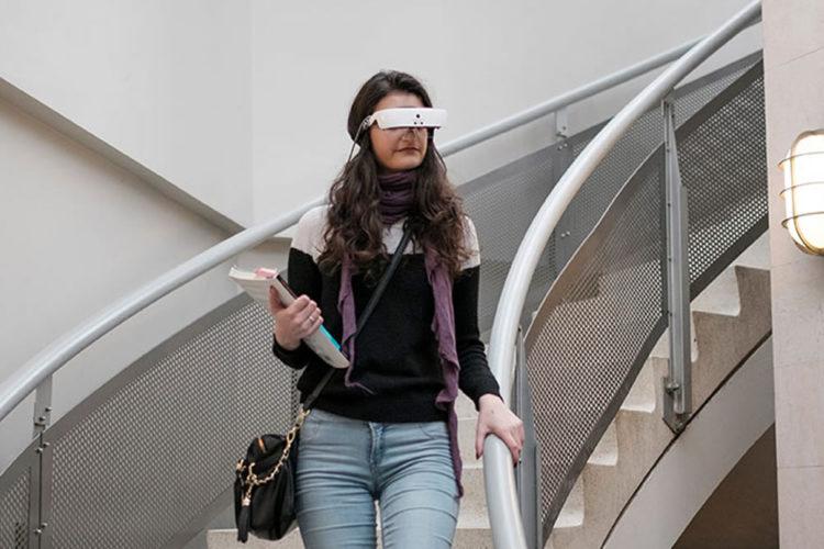 eSight lunettes VR réalité virtuelle malvoyant