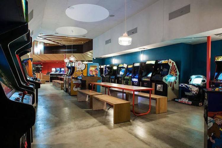 Salle d'arcade en réalité virtuelle