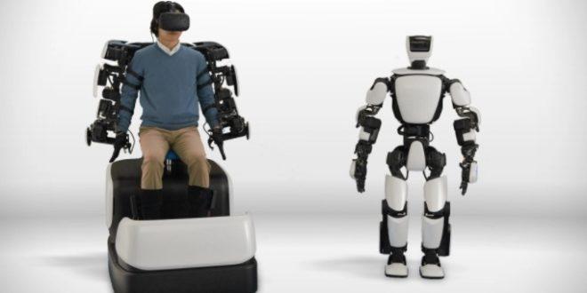 robot toyota htc vive