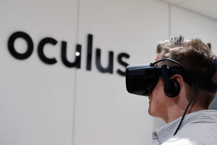 HTC Vive Pro - Oculus Rift