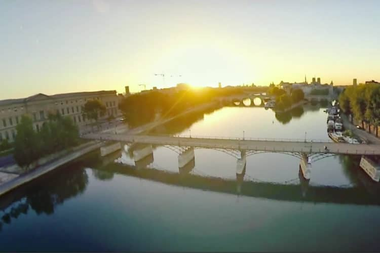 Flyview survol de Paris en VR jetpack