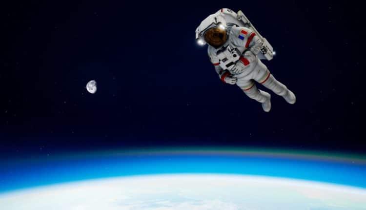 Astronaute dans ISS Rescue