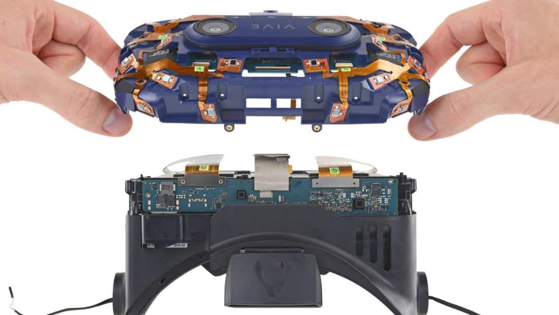 HTC Vive Pro : le casque de réalité virtuelle démonté par iFixit
