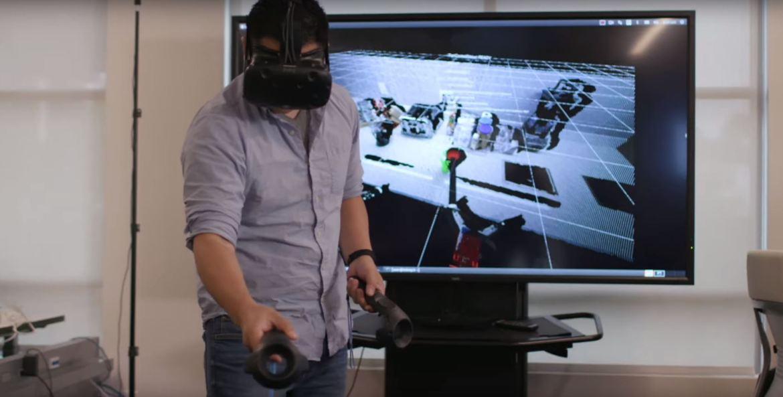 Toyota réalité virtuelle formation robots domestiques
