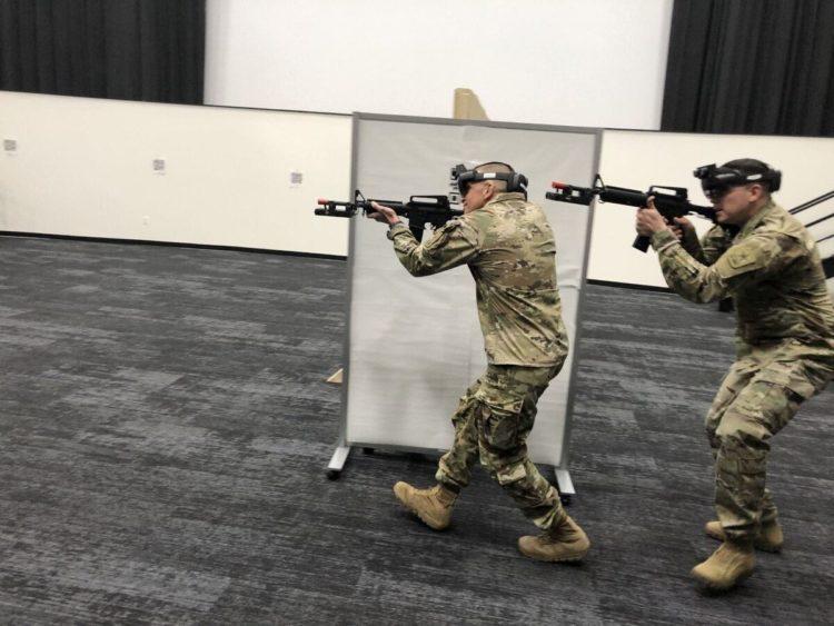 Entraînement armée américaine HoloLens 2 réalité augmentée