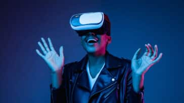 Pièce de théâtre VR - young-woman-using-vr-glasses-with-neon-lights